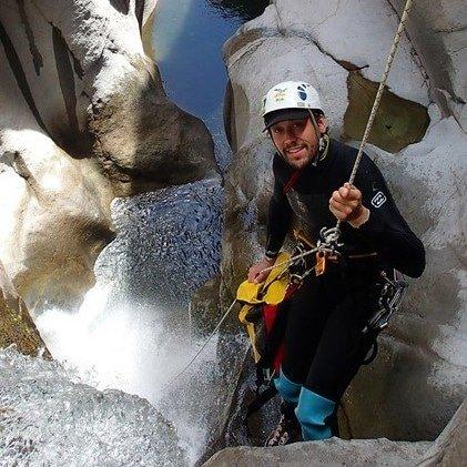Anthony, moniteur alpes adrenaline